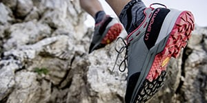 Hiking Shoes - Basses Shoes La Sportiva